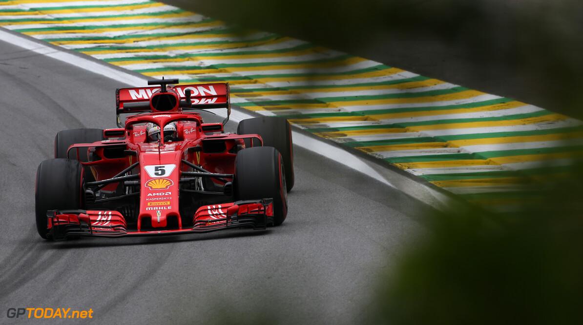 <b>VT3</b>: Vettel verbreekt baanrecord, vijfde positie voor Verstappen