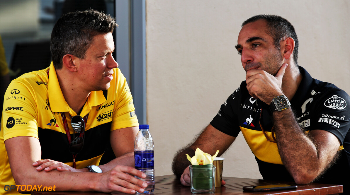 Marcin Budkowski (POL) Renault Sport F1 Team Executive Director with Cyril Abiteboul (FRA) Renault Sport F1 Managing Director. 22.11.2018. Formula 1 World Championship, Rd 21, Abu Dhabi Grand Prix, Yas Marina Circuit, Abu Dhabi, Preparation Day.