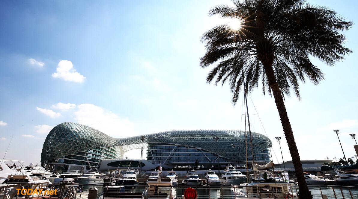 <strong>Testupdate Abu Dhabi (1):</strong> Raikkonen neemt plaats in de Sauber C37