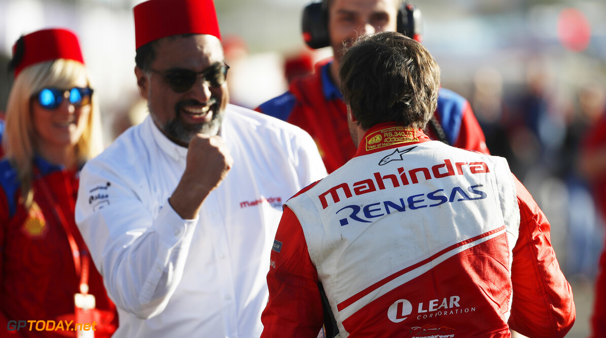 2018 Marrakesh E-prix CIRCUIT INTERNATIONAL AUTOMOBILE MOULAY EL HASSAN, MOROCCO - JANUARY 12: J?r?me d'Ambrosio (BEL), Mahindra Racing, celebrates with Dilbagh Gill, CEO and Team Principal, Mahindra Racing, after winning the race during the Marrakesh E-prix at Circuit International Automobile Moulay El Hassan on January 12, 2019 in Circuit International Automobile Moulay El Hassan, Morocco. (Photo by Alastair Staley / LAT Images) 2018 Marrakesh E-prix Alastair Staley  Morocco  portrait ts-live electric fe