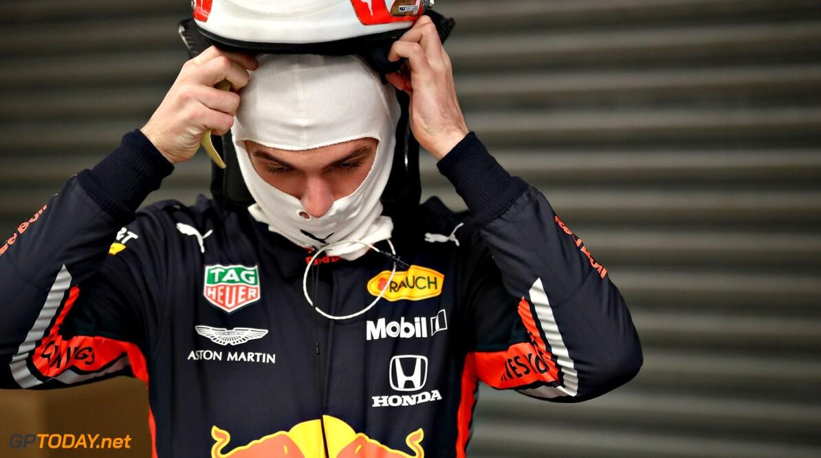 <b>Testdag 4</b>: Versnellingsbak houdt Verstappen op 29 ronden, Hamilton nadert Vettel