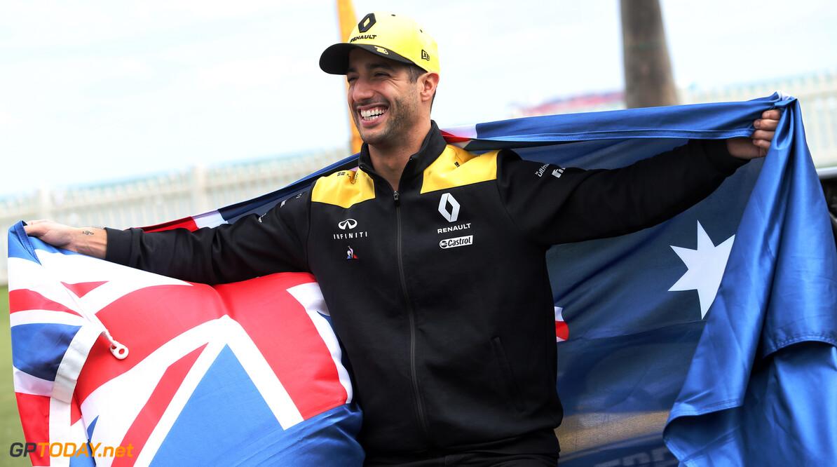 Hamilton en Ricciardo roepen fans op te doneren voor bosbranden Australië