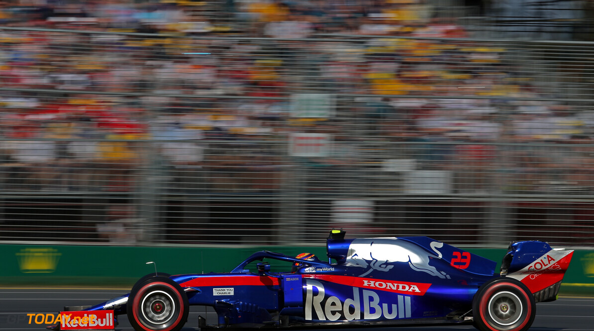 Alexander Albon (THA), Scuderia Toro Rosso  16.03.2019. Formula 1 World Championship, Rd 1, Australian Grand Prix, Albert Park, Melbourne, Australia, Qualifying Day. - www.xpbimages.com, EMail: requests@xpbimages.com - copy of publication required for printed pictures. Every used picture is fee-liable. (C) Copyright: Charniaux / XPB Images Motor Racing - Formula One World Championship - Australian Grand Prix - Qualifying Day - Melbourne, Australia     Formel1 Formel F1 Formula 1 Formula1 GP Grand Prix one March Australian Australia Albert Park Melbourne Oz Saturday 16 03 3 2019 Practice Action Track