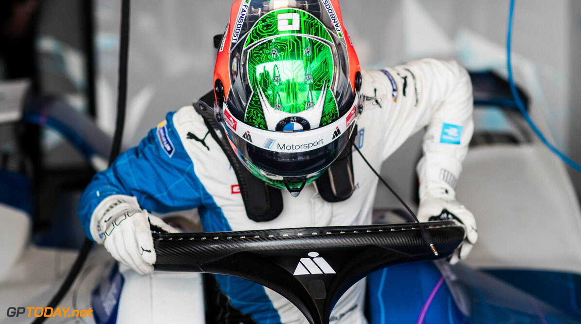 2019 Sanya E-prix SANYA STREET CIRCUIT, CHINA - MARCH 22: Antonio Felix da Costa (PRT) gets into his BMW I Andretti Motorsports, BMW iFE.18 during the Sanya E-prix at Sanya Street Circuit on March 22, 2019 in Sanya Street Circuit, China. (Photo by Alastair Staley / LAT Images) 2019 Sanya E-prix Alastair Staley  China  portrait helmet electric FE open wheel