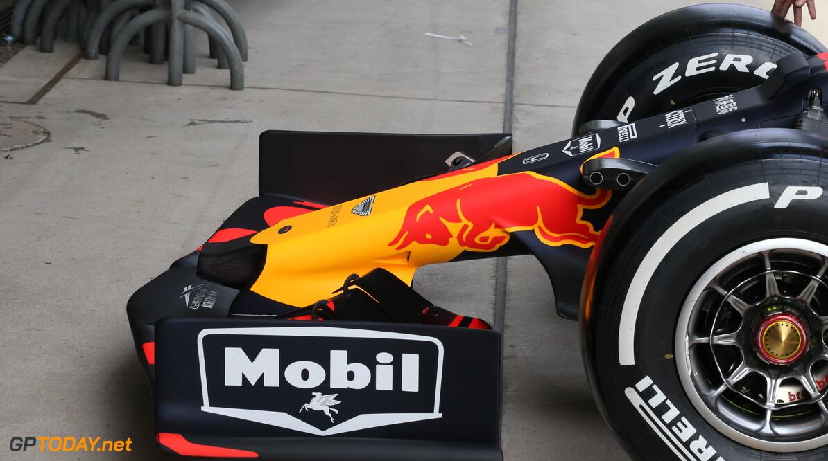 Voorvleugels Red Bull Racing en Mercedes niet legaal