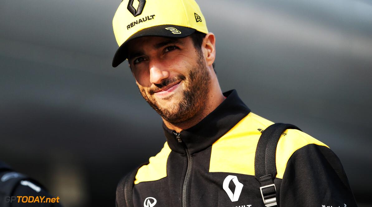 """Ricciardo: """"Renault probeert te hard tijdens Grand Prix-weekends"""""""