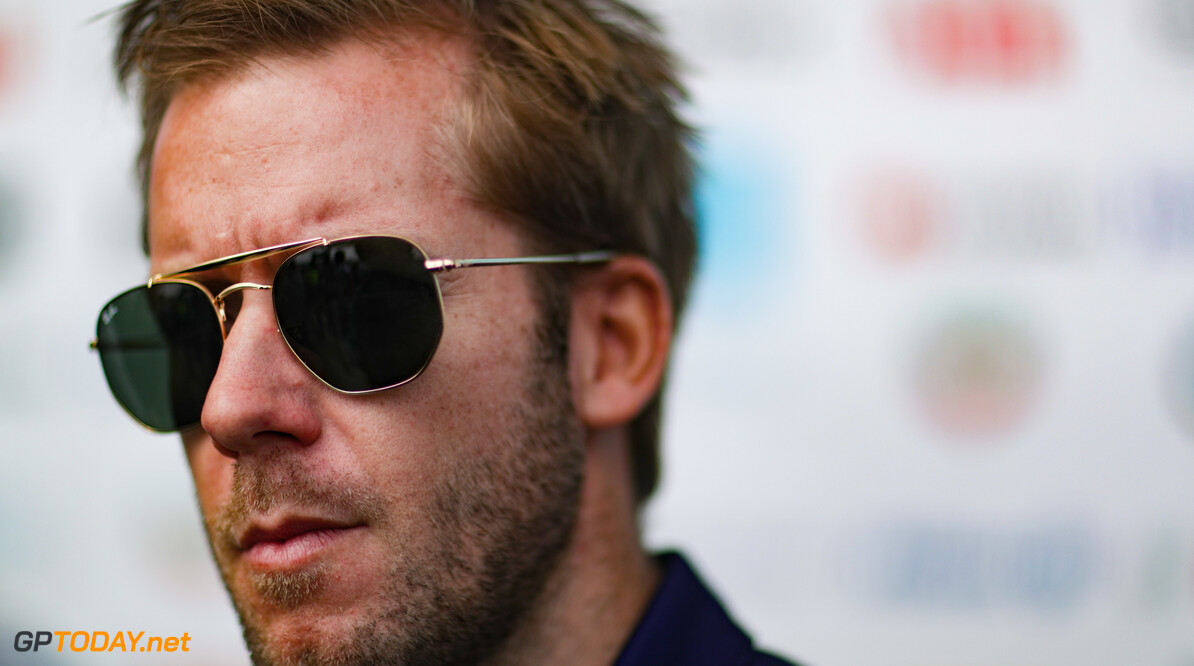 2019 Rome E-prix CIRCUITO CITTADINO DELL'EUR, ITALY - APRIL 12: Sam Bird (GBR), Envision Virgin Racing during the Rome E-prix at Circuito Cittadino dell'EUR on April 12, 2019 in Circuito Cittadino dell'EUR, Italy. (Photo by Alastair Staley / LAT Images) 2019 Rome E-prix Alastair Staley  Italy  portrait electric FE open wheel