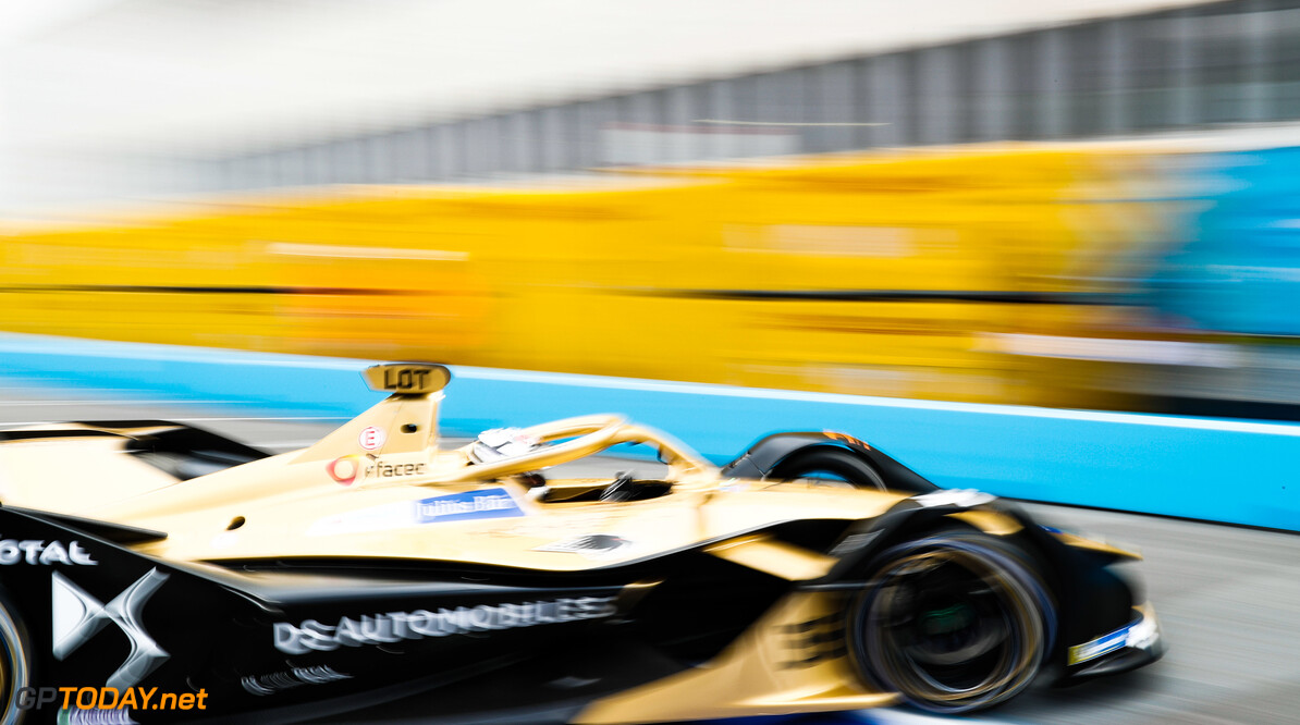 Lotterer survives mistake to take maiden pole position