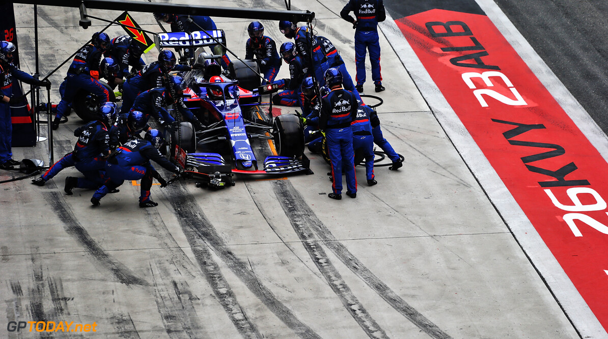 Kvyat to speak to the Stewards over drive-through penalty decision