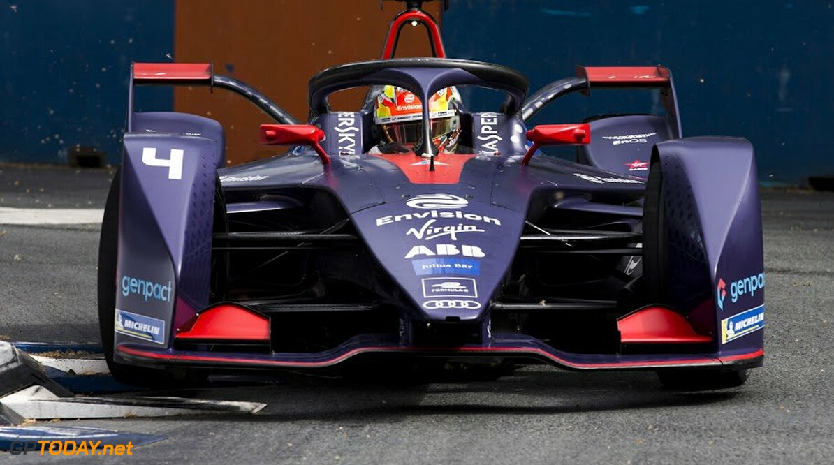 Frijns slides to victory in hail soaked Paris