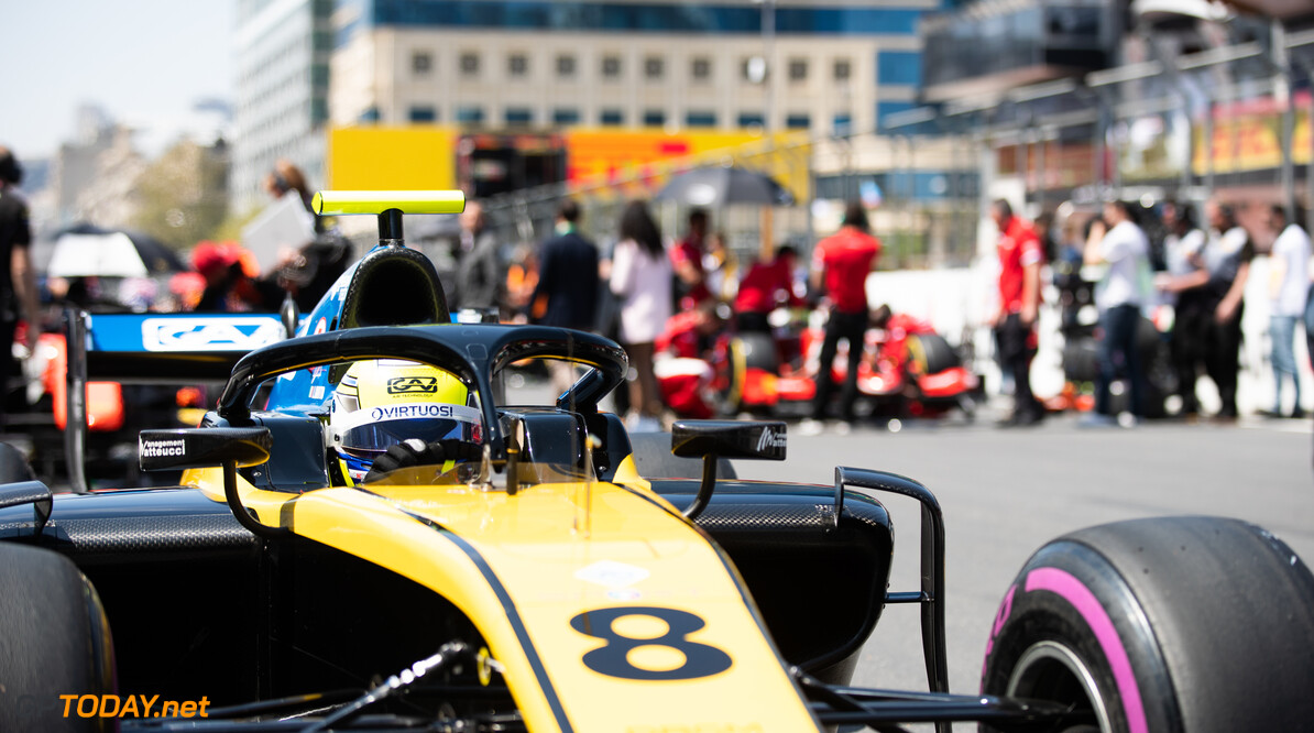 2019 Baku BAKU CITY CIRCUIT, AZERBAIJAN - APRIL 27: Luca Ghiotto (ITA, UNI VIRTUOSI) during the Baku at Baku City Circuit on April 27, 2019 in Baku City Circuit, Azerbaijan. (Photo by Joe Portlock / LAT Images / FIA F2 Championship) 2019 Baku Joe Portlock  Azerbaijan  Race Race 1 F2 Formula 2