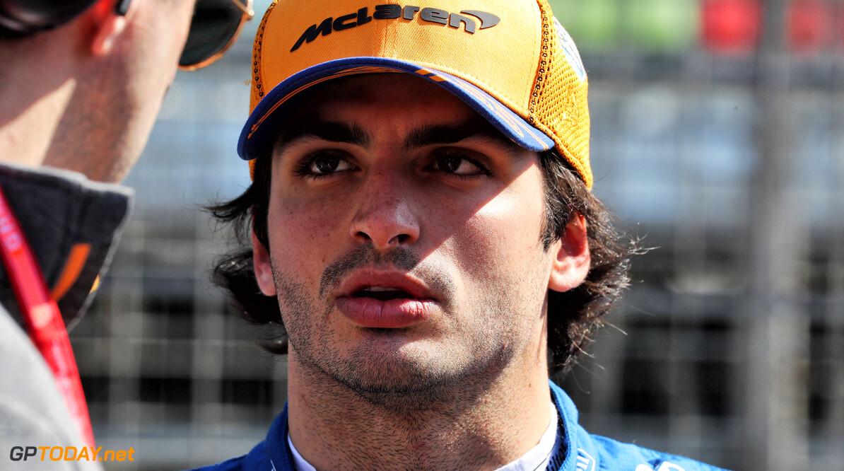 Sainz: McLaren comparing itself to frontrunners, not midfield