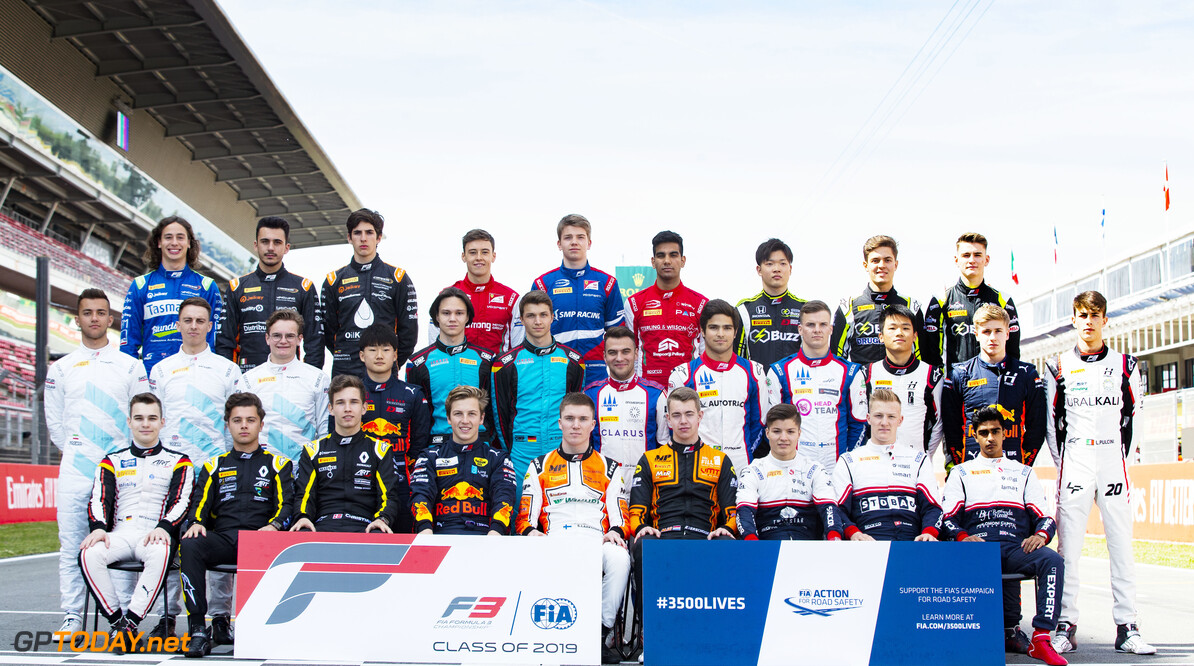 2019 Barcelona CIRCUIT DE BARCELONA-CATALUNYA, SPAIN - MAY 09: FIA Formula 3 class photo 2019 during the Barcelona at Circuit de Barcelona-Catalunya on May 09, 2019 in Circuit de Barcelona-Catalunya, Spain. (Photo by Joe Portlock / LAT Images / FIA F3 Championship) 2019 Barcelona Joe Portlock  Spain  Portrait F3 Formula 3 FIA F3