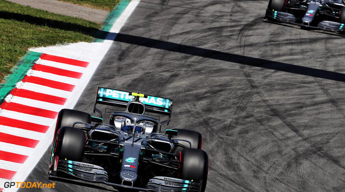 <b>VT2</b>: Mercedes zet toon in Spanje, vijfde tijd voor Verstappen
