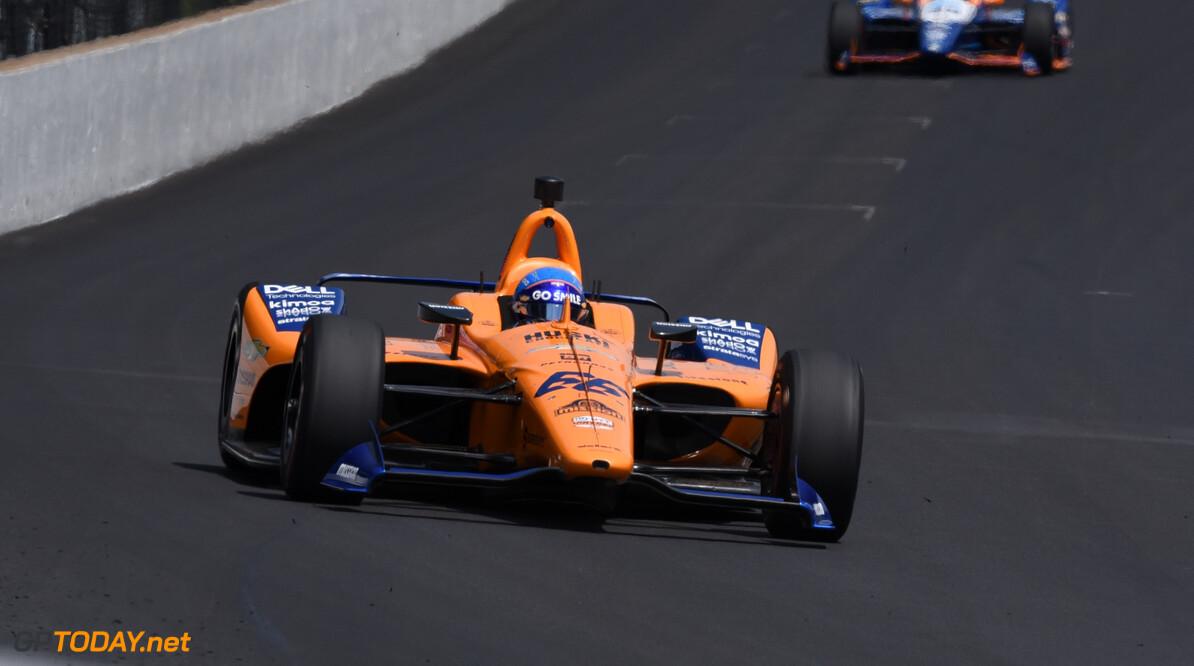 Fernando Alonso dreigt de Indianapolis 500 te missen