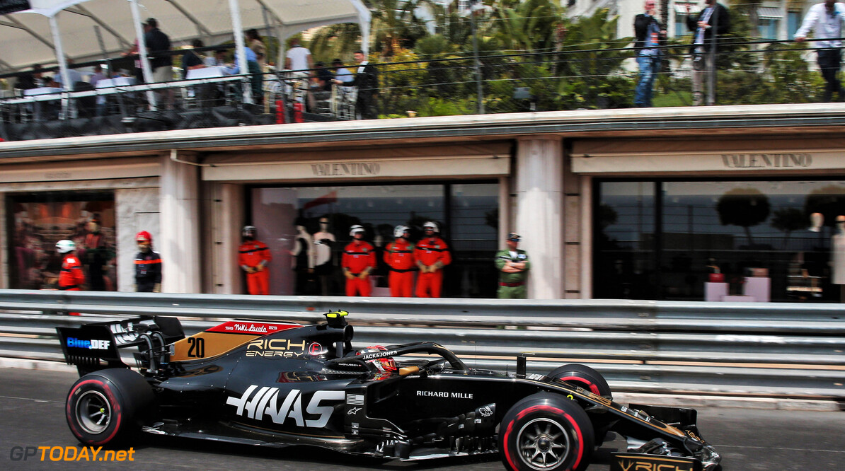 Magnussen drops to P14 after post-race penalty