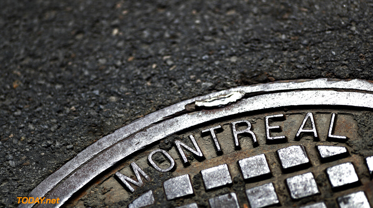 Montreal writing on a drain cover on the circuit  Zak Mauger    Atmosphere circuit detail GP1907a GP1907a_M F1 Canada Canadian Montreal GP