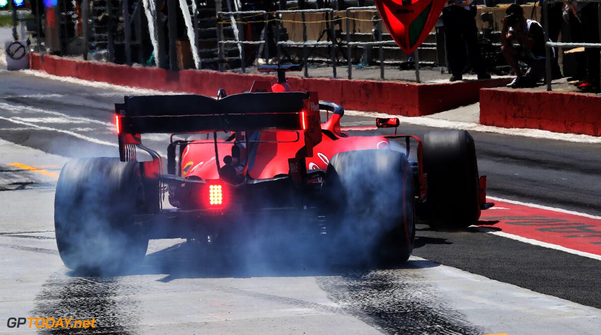'Teams klagen bij FIA over buigende achtervleugel Ferrari'