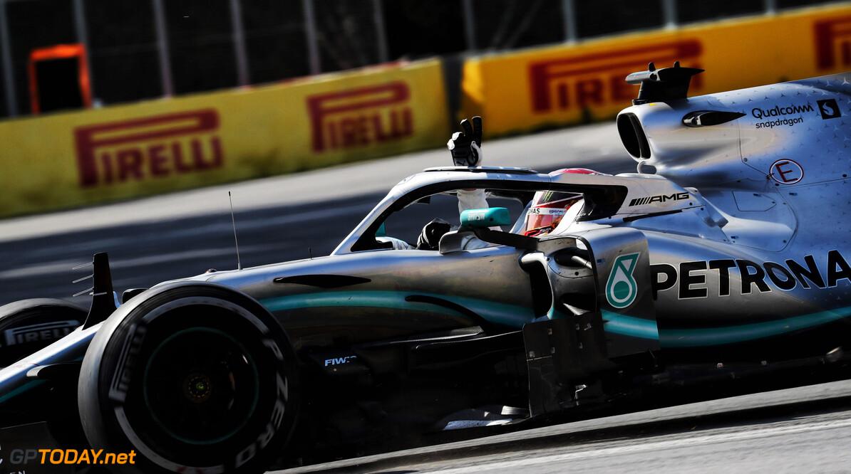 <b>VT1</b>: Mercedes zet de toon in eerste training Frankrijk, Verstappen vierde
