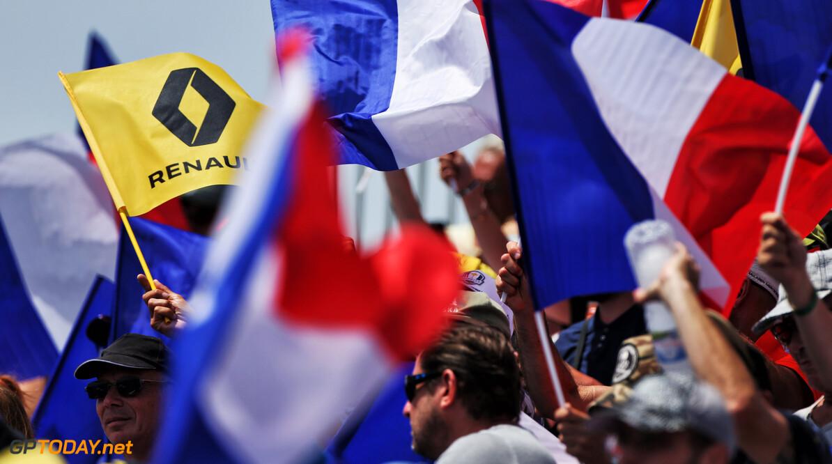 <b>Video: </b>Geniet van deze brullende V10-motoren tijdens de eerste ronden Franse Grand Prix in 2004