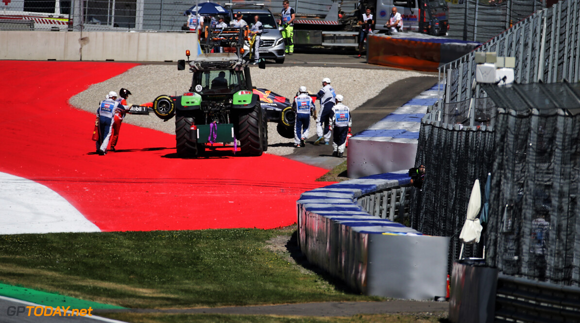 Verstappen crash a result of being 'caught out' by wind