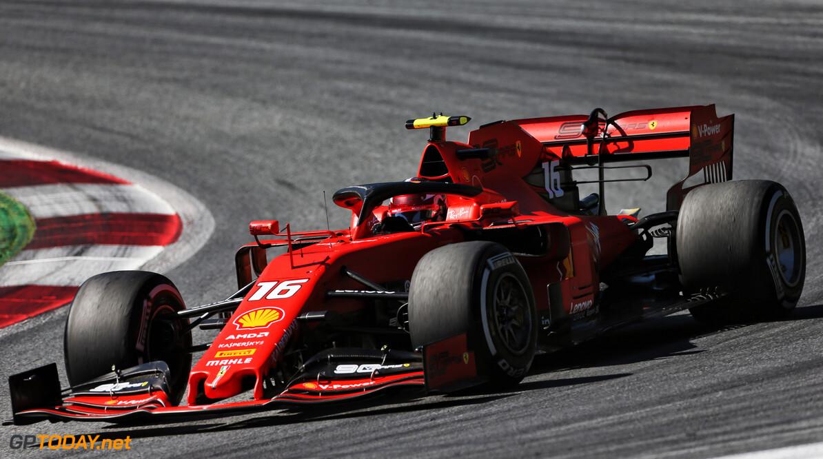 """Leclerc: """"Voor mij was heel duidelijk wat er gebeurde bij inhaalactie Verstappen"""""""
