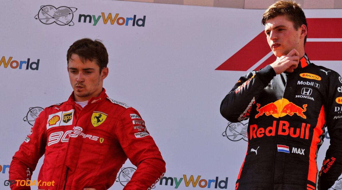 <b>Video:</b> Verstappen en Leclerc na de race in zelfde vliegtuig terug naar huis