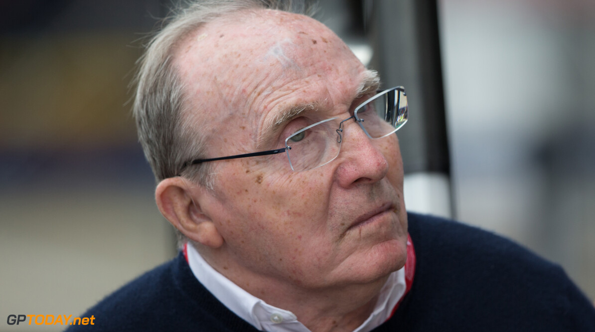 <b>Video:</b> Hamilton neemt Frank Williams mee voor ronde over Silverstone
