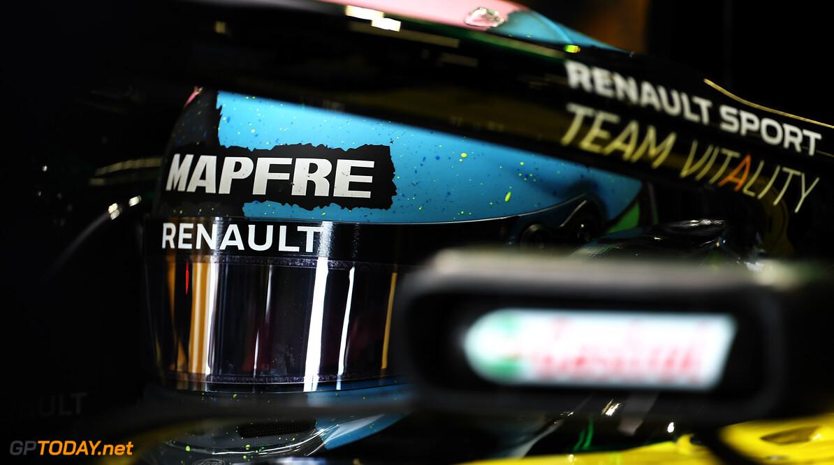 """Ricciardo: """"Vanavond wellicht herdenkingsdienst voor kapotte motor"""""""