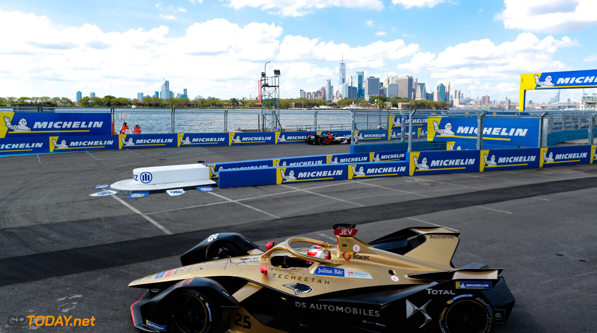 2019 New York City E-prix I BROOKLYN STREET CIRCUIT, UNITED STATES OF AMERICA - JULY 12: Jean-Eric Vergne (FRA), DS TECHEETAH, DS E-Tense FE19 during the New York City E-prix I at Brooklyn Street Circuit on July 12, 2019 in Brooklyn Street Circuit, United States of America. (Photo by Steven Tee / LAT Images) 2019 New York City E-prix I Steven Tee  United States of America  action electric FE open wheel
