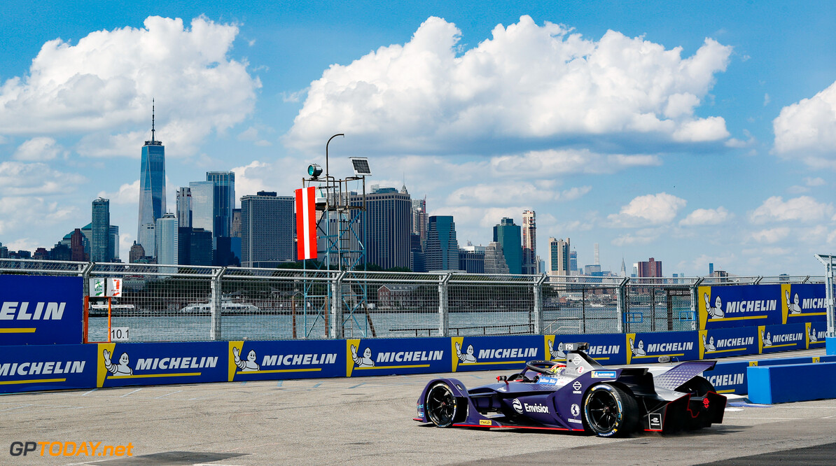 2019 New York City E-prix I BROOKLYN STREET CIRCUIT, UNITED STATES OF AMERICA - JULY 12: Robin Frijns (NLD), Envision Virgin Racing, Audi e-tron FE05 during the New York City E-prix I at Brooklyn Street Circuit on July 12, 2019 in Brooklyn Street Circuit, United States of America. (Photo by Steven Tee / LAT Images) 2019 New York City E-prix I Steven Tee  United States of America  action electric FE open wheel
