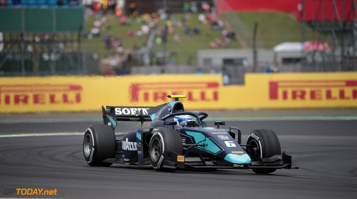 Latifi wint op Hungaroring en loopt in op De Vries in titelstrijd