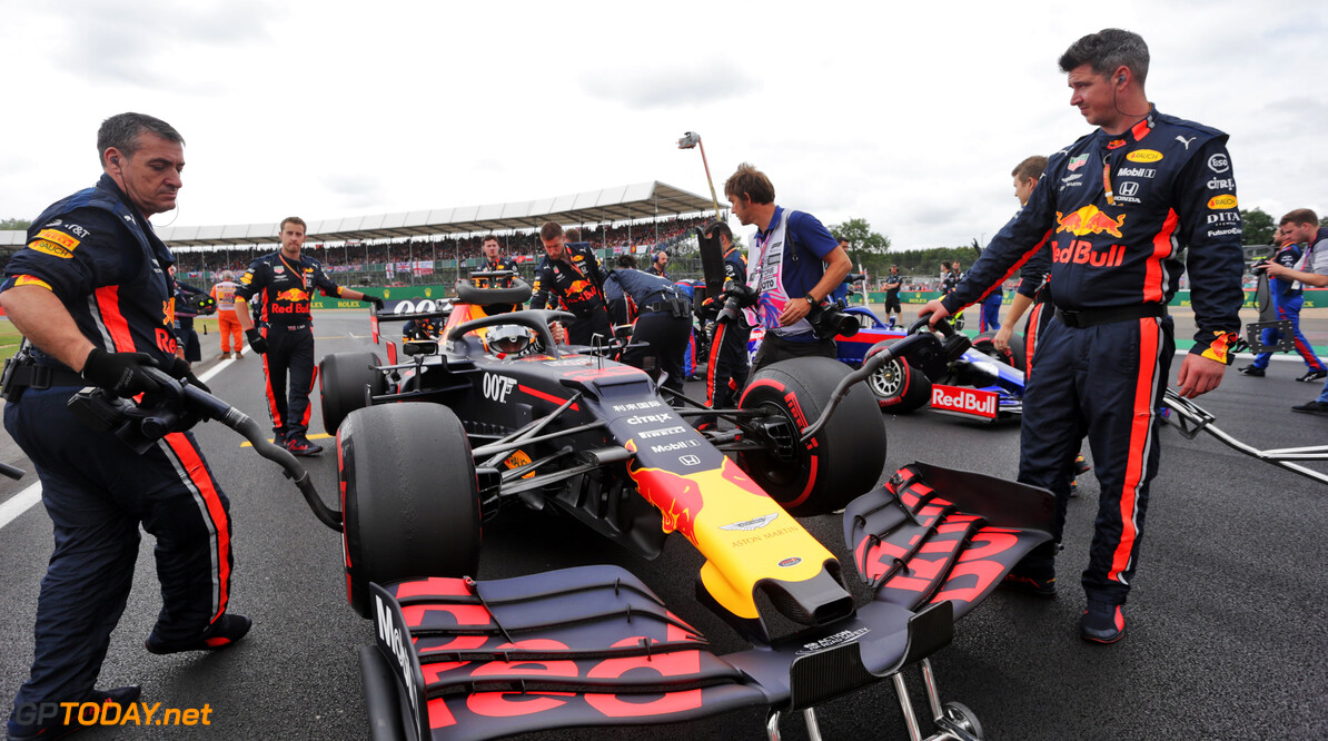 Cracked rear wings caused early Red Bull drama