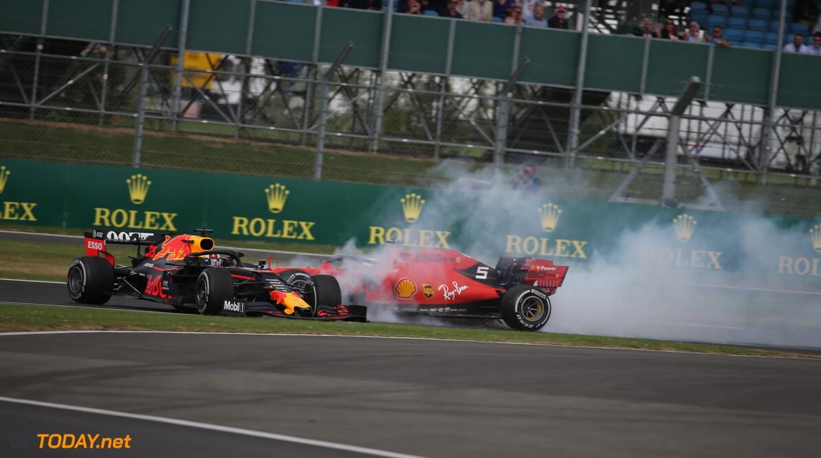 """Brundle: """"Vettel is visie en reactievermogen in wiel-aan-wiel-strijd kwijt"""""""