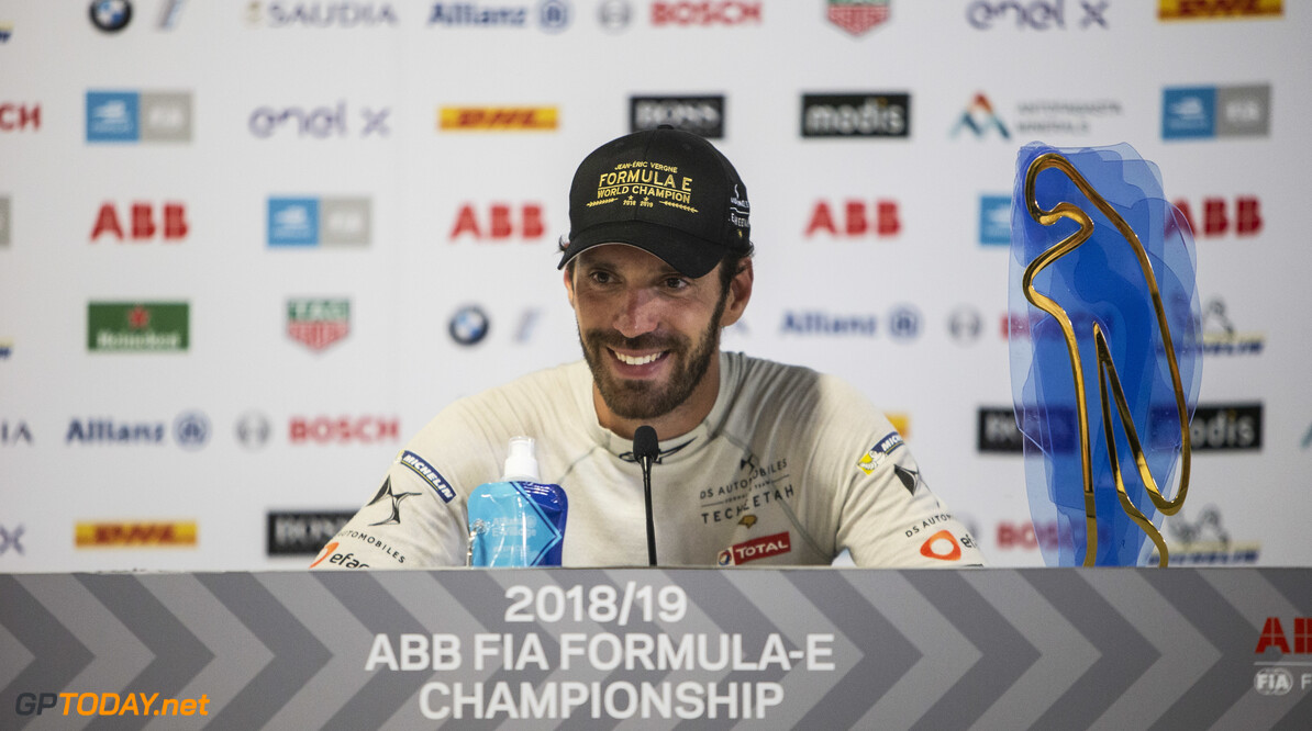 2019 New York City E-prix II BROOKLYN STREET CIRCUIT, UNITED STATES OF AMERICA - JULY 14: Championship winner Jean-Eric Vergne (FRA), DS TECHEETAH in the press conference during the New York City E-prix II at Brooklyn Street Circuit on July 14, 2019 in Brooklyn Street Circuit, United States of America. (Photo by Andrew Ferraro / LAT Images) 2019 New York City E-prix II Andrew Ferraro  United States of America  portrait trophy electric FE open wheel