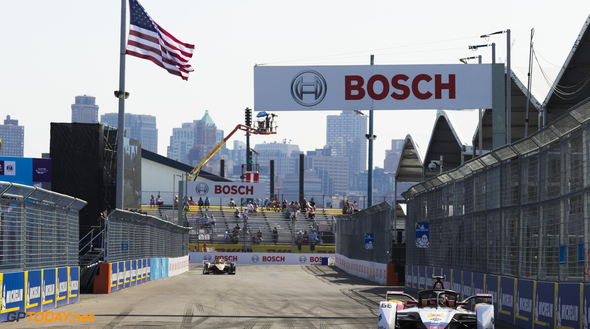 2019 New York City E-prix II BROOKLYN STREET CIRCUIT, UNITED STATES OF AMERICA - JULY 14: Daniel Abt (DEU), Audi Sport ABT Schaeffler, Audi e-tron FE05 during the New York City E-prix II at Brooklyn Street Circuit on July 14, 2019 in Brooklyn Street Circuit, United States of America. (Photo by Alastair Staley / LAT Images) 2019 New York City E-prix II Alastair Staley  United States of America  action electric FE open wheel