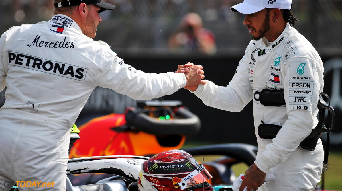 Mercedes heeft Hamilton gevraagd naar mening over Bottas en Ocon