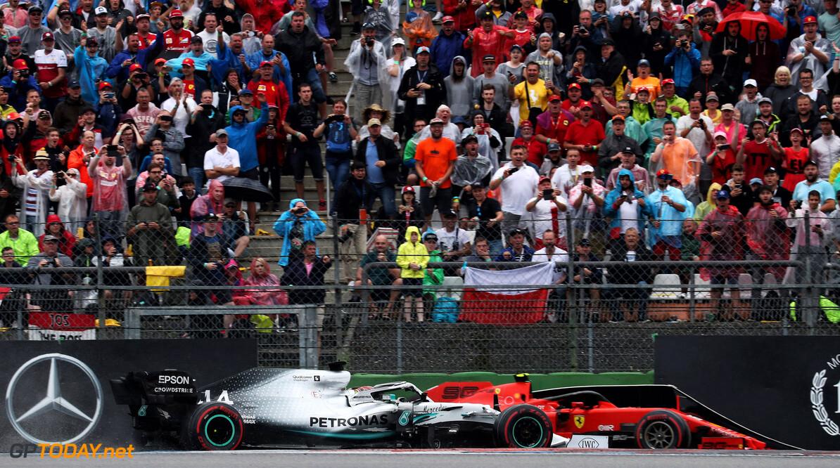 Leclerc had niet door dat Hamilton wijd ging toen hij door grind liep