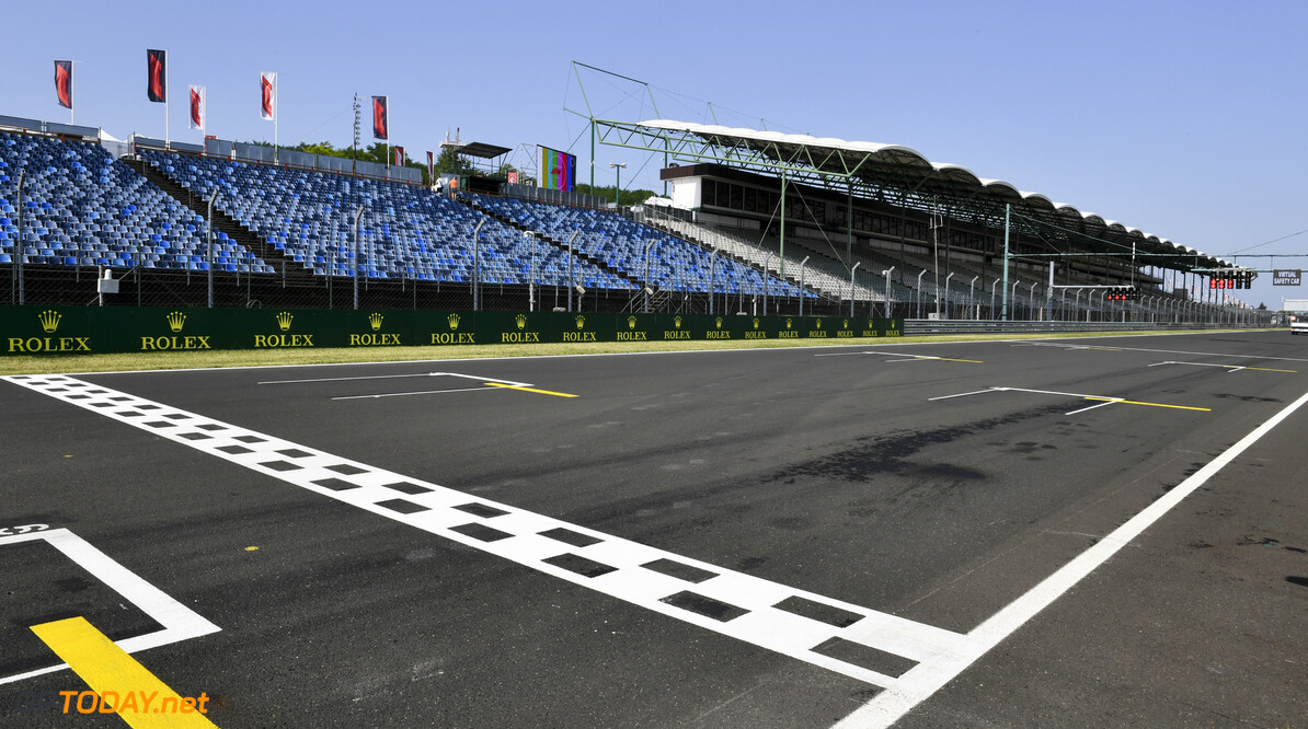 2019 Hungarian GP HUNGARORING, HUNGARY - AUGUST 01: Start/ Finish Line during the Hungarian GP at Hungaroring on August 01, 2019 in Hungaroring, Hungary. (Photo by Mark Sutton / LAT Images) 2019 Hungarian GP Mark Sutton  Hungary