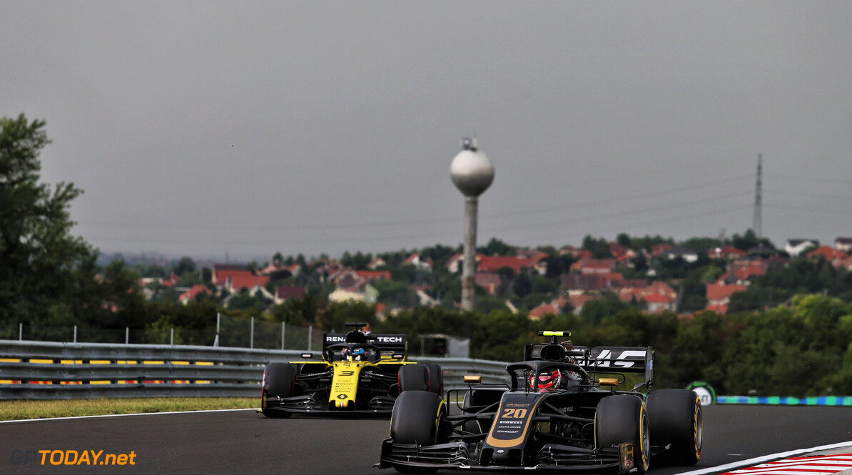 Ricciardo 'not impressed' with Magnussen's braking zone moves