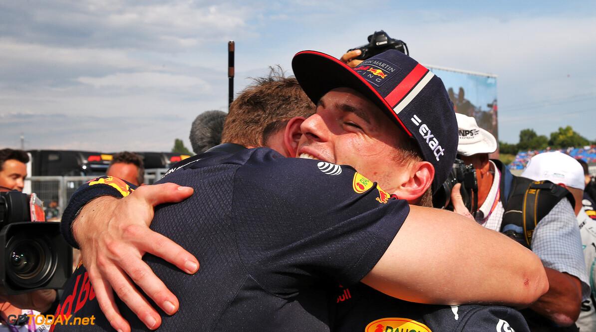 <b>Video:</b> Onboard bij Max Verstappen tijdens zijn pole-ronde in Hongarije