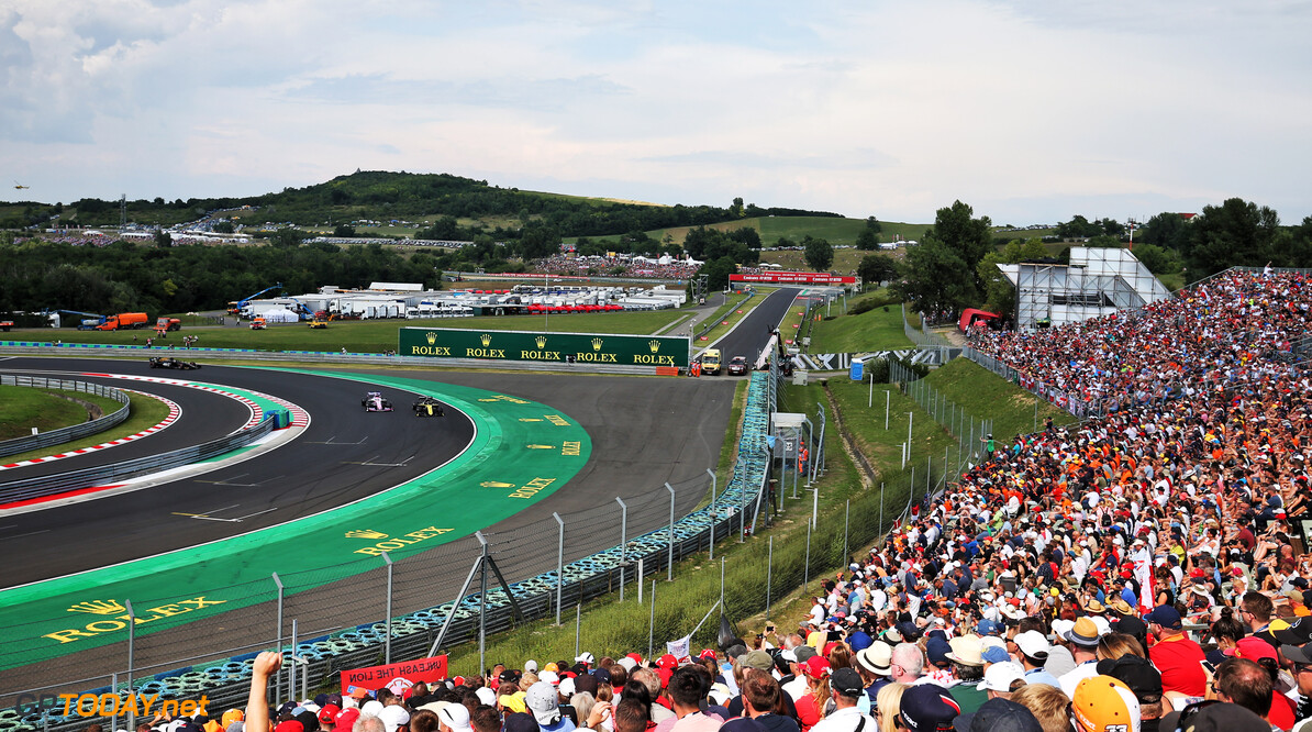 Ricciardo 'wasn't aware' of slow cars forming in Q1