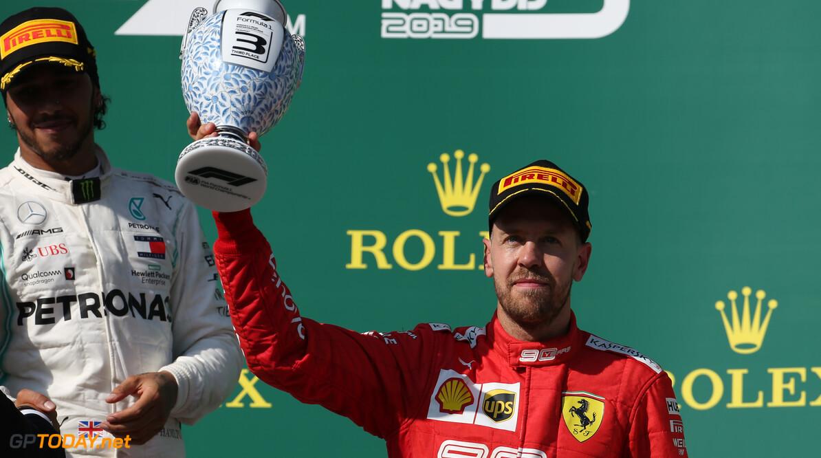 """Vettel: """"Niet zo snel als Verstappen en Hamilton, maar was hele weekend al duidelijk"""""""