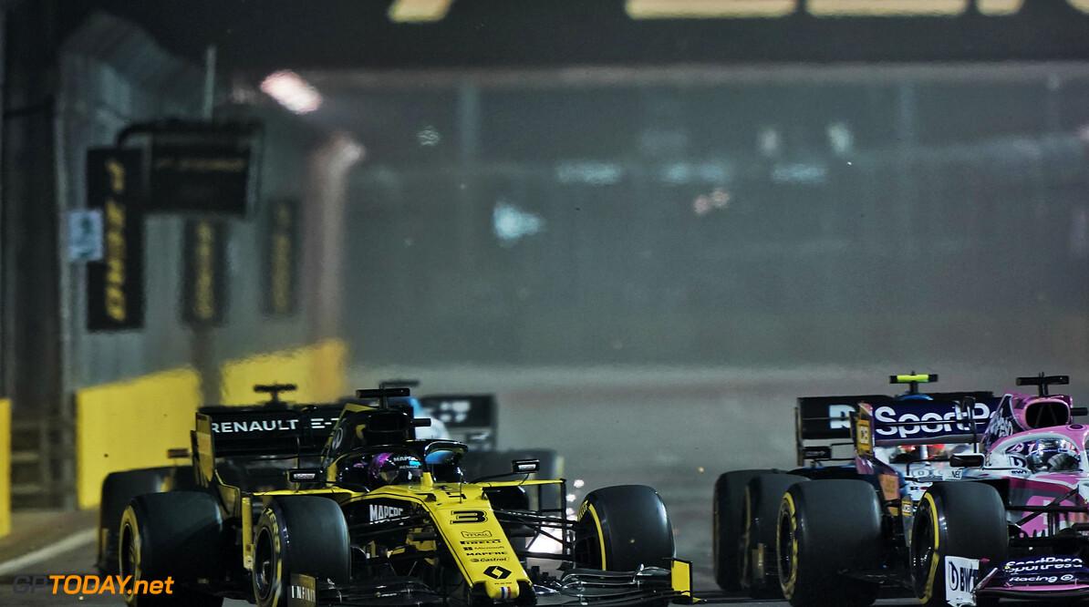 <b>Video:</b> Niet vertoonde beelden - geweldig gevecht tussen Sainz, Ricciardo en Stroll
