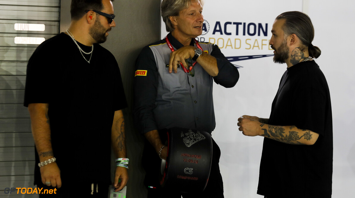 2019 Singapore GP SINGAPORE STREET CIRCUIT, SINGAPORE - SEPTEMBER 21: Swedish House Mafia, DJs and Roberto Boccafogli, Pirelli with the Pirelli Pole Position Award during the Singapore GP at Singapore Street Circuit on September 21, 2019 in Singapore Street Circuit, Singapore. (Photo by Sam Bloxham / Motorsport Images) 2019 Singapore GP Sam Bloxham  Singapore  Portrait ts-live