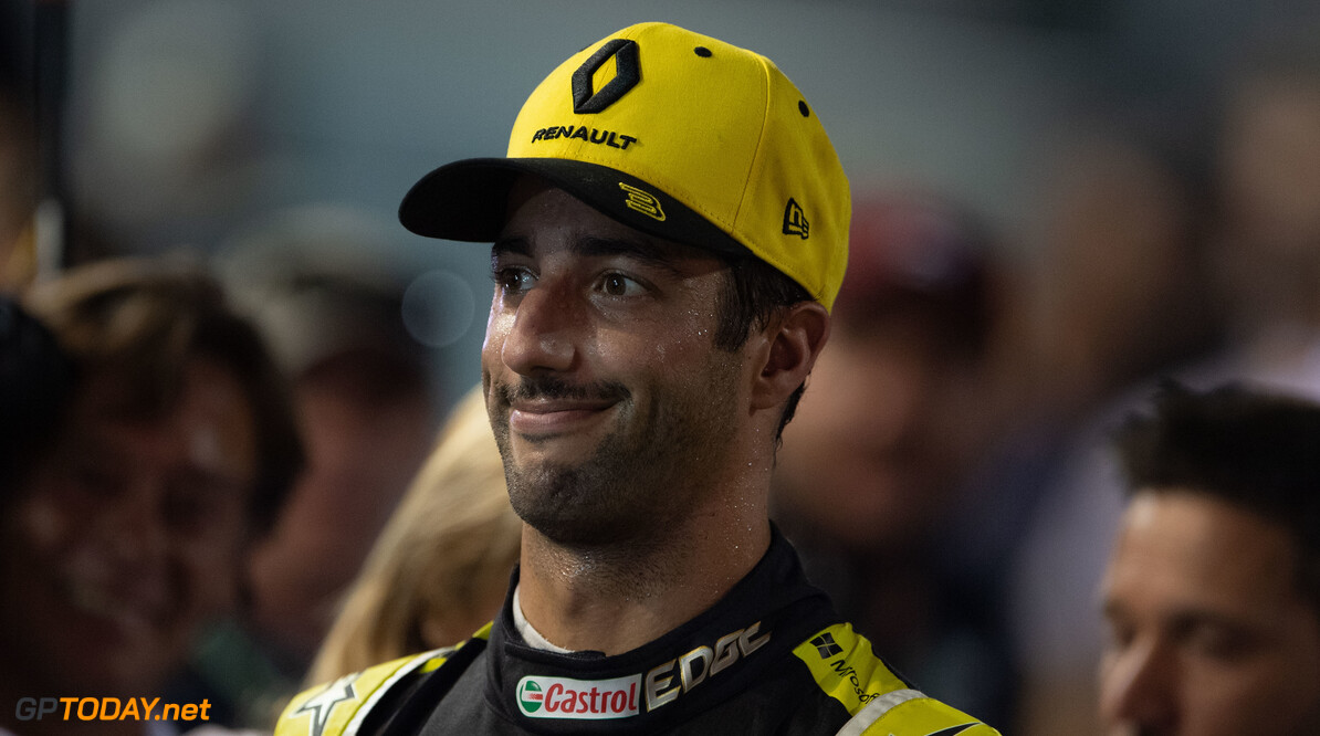 2019 Singapore GP SINGAPORE STREET CIRCUIT, SINGAPORE - SEPTEMBER 21: Daniel Ricciardo, Renault F1 Team during the Singapore GP at Singapore Street Circuit on September 21, 2019 in Singapore Street Circuit, Singapore. (Photo by Simon Galloway / Motorsport Images) 2019 Singapore GP Simon Galloway  Singapore  Portrait