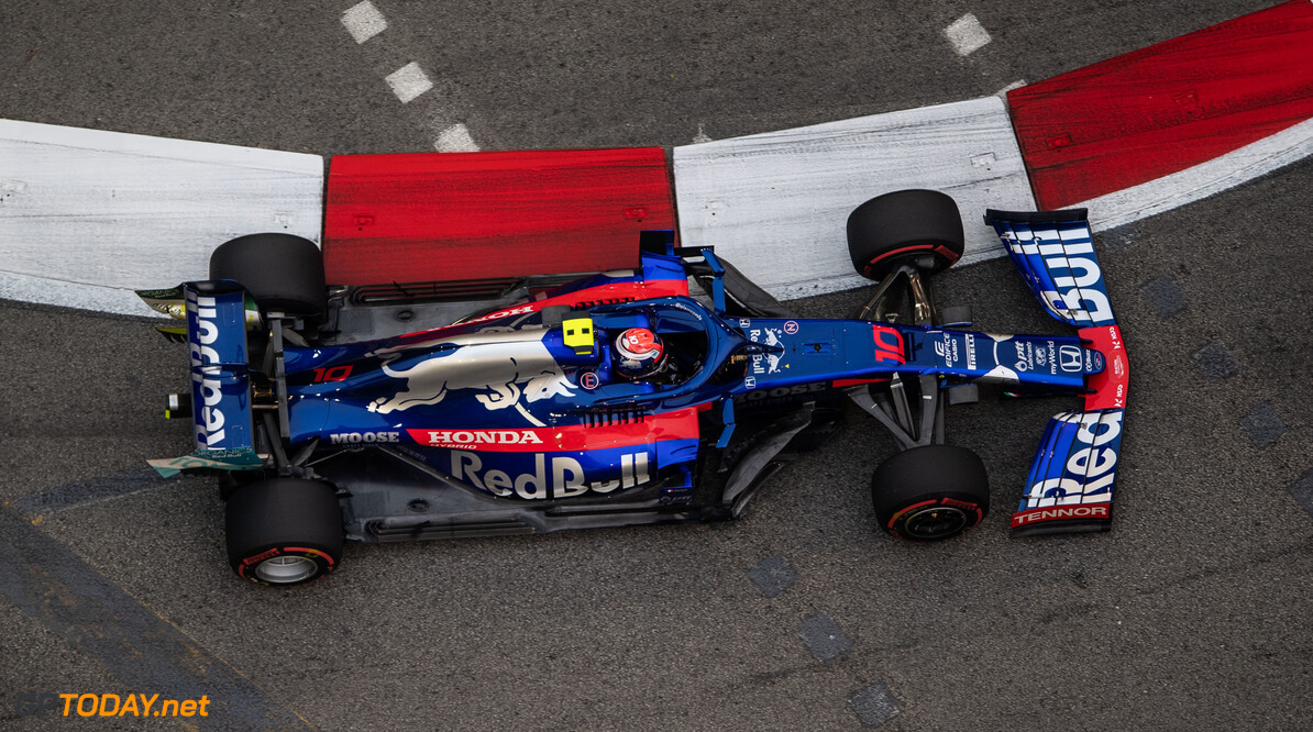 2019 Singapore GP SINGAPORE STREET CIRCUIT, SINGAPORE - SEPTEMBER 20: Pierre Gasly, Toro Rosso STR14 during the Singapore GP at Singapore Street Circuit on September 20, 2019 in Singapore Street Circuit, Singapore. (Photo by Simon Galloway / Motorsport Images) 2019 Singapore GP Simon Galloway  Singapore  Action