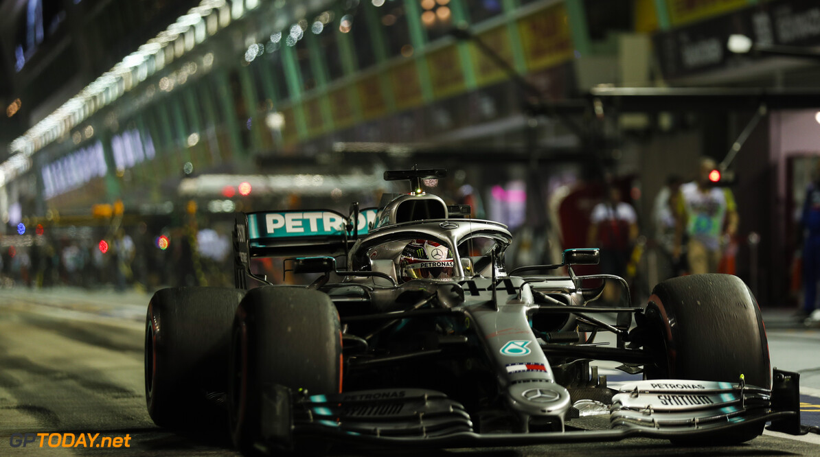 2019 Singapore GP SINGAPORE STREET CIRCUIT, SINGAPORE - SEPTEMBER 20: Lewis Hamilton, Mercedes AMG F1 W10 during the Singapore GP at Singapore Street Circuit on September 20, 2019 in Singapore Street Circuit, Singapore. (Photo by Sam Bloxham / Motorsport Images) 2019 Singapore GP Sam Bloxham  Singapore  action pirelli