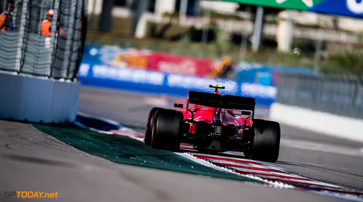<b>Video:</b> De kwalificatieronden van Leclerc en Verstappen naast elkaar