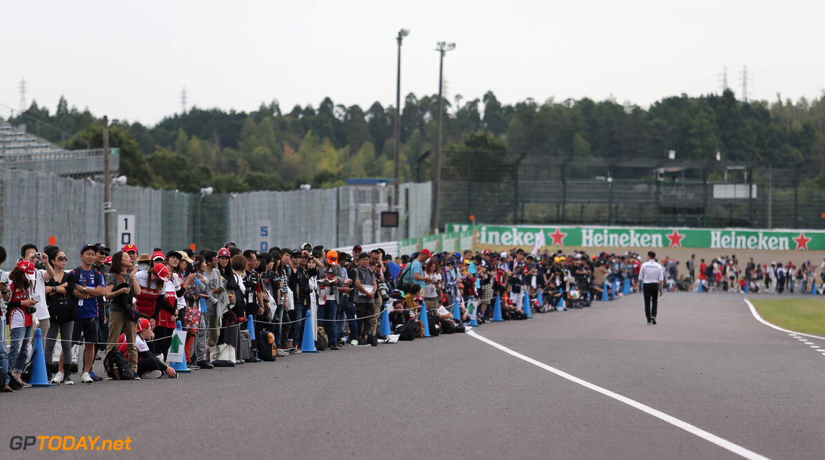 Formula One World Championship Fans  10.10.2019. Formula 1 World Championship, Rd 17, Japanese Grand Prix, Suzuka, Japan, Preparation Day. - www.xpbimages.com, EMail: requests@xpbimages.com - copy of publication required for printed pictures. Every used picture is fee-liable. (C) Copyright: Charniaux / XPB Images Motor Racing - Formula One World Championship - Japanese Grand Prix - Preparation Day - Suzuka, Japan XPB Images Suzuka Japan  Formel1 Formel F1 Formula 1 Formula1 GP Grand Prix one Suzuka Circuit Thursday Portrait Japan Japanese October 10 2019